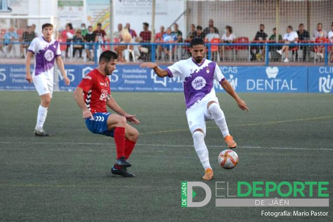 El Real Jaén se estrena en liga con una derrota en Torre del Mar