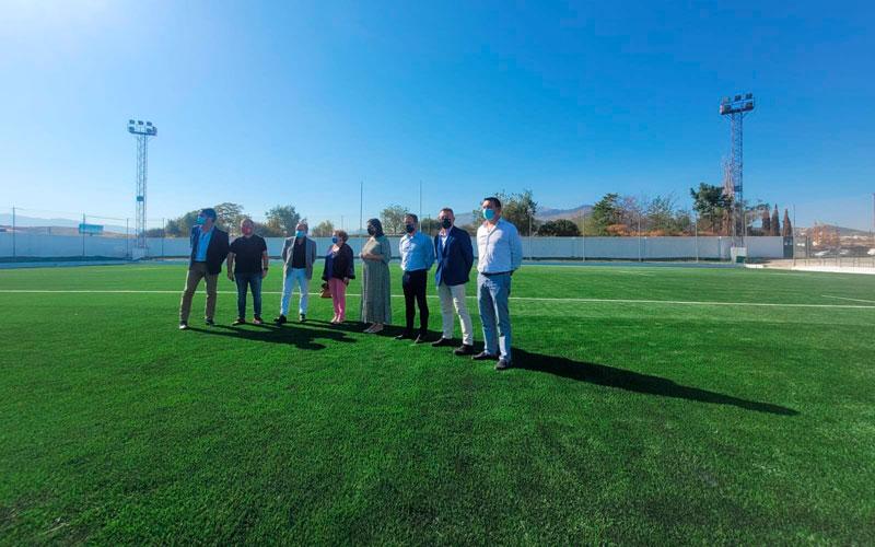El campo de Las Lagunillas estrena césped y mejoras en las instalaciones