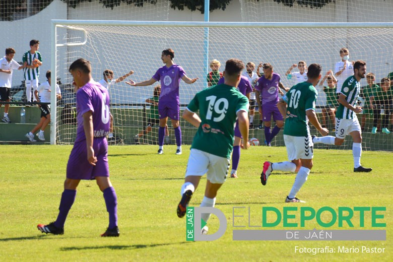 El Real Jaén sufre una goleada ante el Juventud de Torremolinos